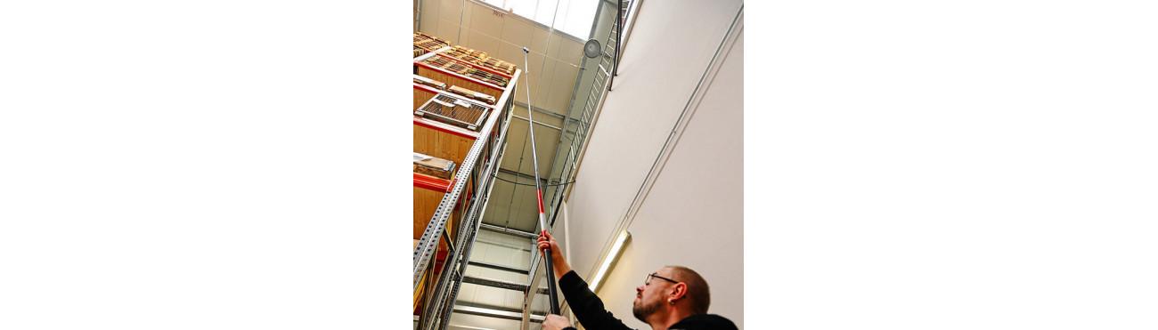 Perche d'ancrage pour connexion à un point d'ancrage inaccessible dans le cadre du travail en hauteur - Plucéo